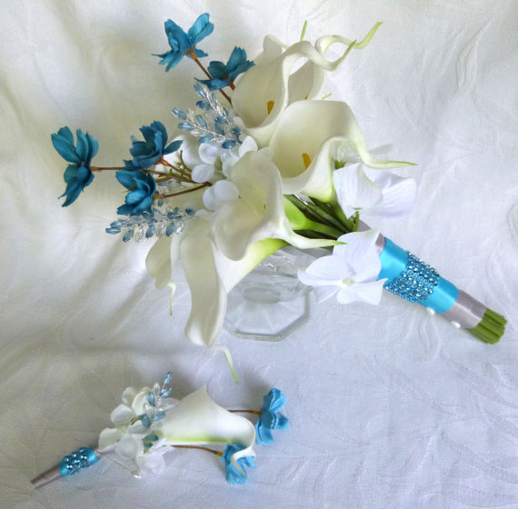 Mariage - Calla lily and hydrangea wedding bouquet set with turquoise cosmos and gem accents