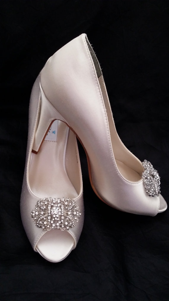 Hochzeit - Wedding Shoes Vintage Inspired Crystal Bridal Shoes Pick your Color - White bridal shoes - Ivory Wedding Shoes - Dyeable Wedding Shoes
