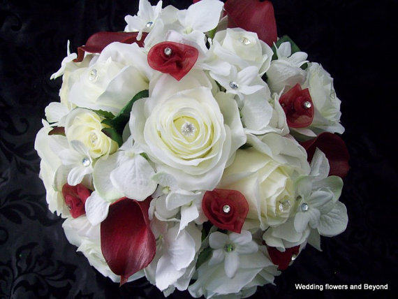 Свадьба - NaTuRaL WHiTe aND LiGHT iVoRy RoSeS WiTH BuRGaNDY ReaL TouCH CaLLa LiLieS BRiDaL BouQueT