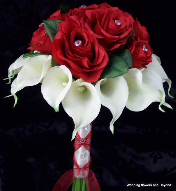 Свадьба - BeAuTiFuL  RoMaNTiC ReD RoSeS aND ReaL TouCH CaLLa LiLieS BRiDaL BouQueT