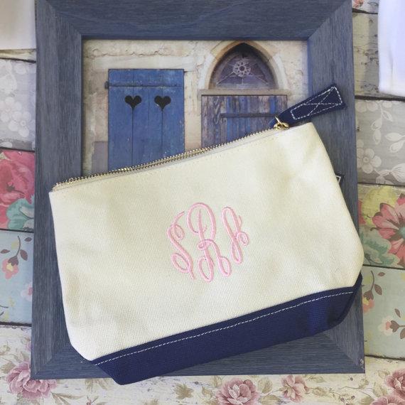 Wedding - NAVY accessory bag , bridesmaid make-up bags, monogrammed bag, wedding bag , bridesmaid gifts , personalized bridesmaid gifts