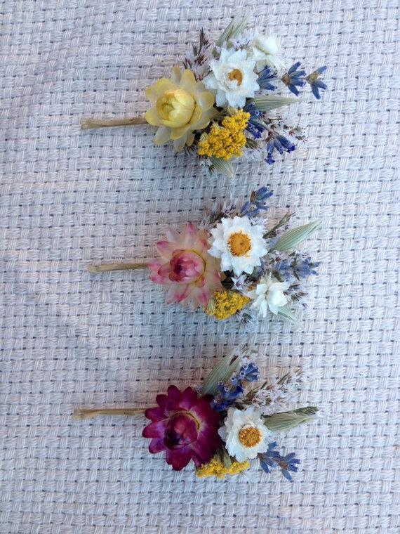 زفاف - Dried flowers on bobby pin.  For some color and whimsy to your hair.