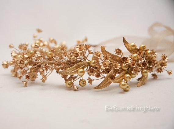 Mariage - Rustic Gold Bohemian Wedding Wreath, Headpiece of Golden Babies Breath and Metal Leaves Gold Flower Crown Bridal Headband