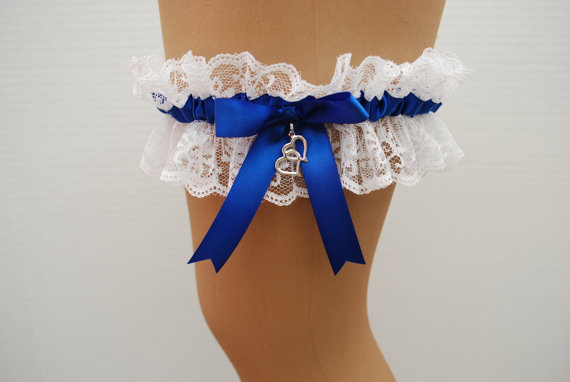 Свадьба - Wedding Garter - Royal Blue Satin Ribbon and White Lace Keepsake Garter finished with a Double Heart Charm