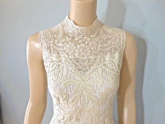 Mariage - Vintage Inspired High Neck wedding Dress HIPPIE BoHo wedding dress LACE Wedding Dress MERMAID Wedding Dress Sz Medium