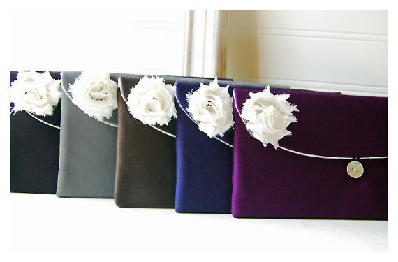 Mariage - ivory satin bridesmaid gift clutch black satin purse set 5 ivory satin clutch, black favor bag gift bag,black purse black pouch cosmetic bag
