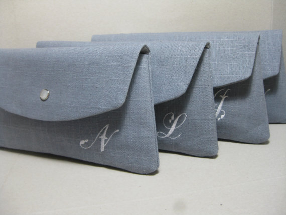 Mariage - Bridesmaid Clutches/Gift/Wedding /Angled Linen Envelope Clutch (Choose Linen Color) , Sets of 4,6,7,8 /  Purchase 8 Get 1 FREE