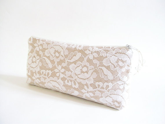 Mariage - Modern Wedding Purses Set of 5, Nude Clutches for Bridesmaids, Minimalist Rustic Style Bags, Bridal Gift Handbags, White Lace Clutch Bags