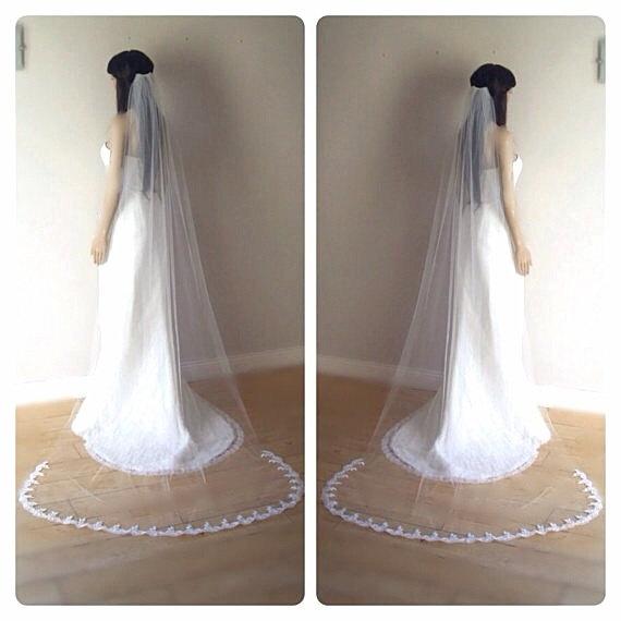Hochzeit - Long lace veil, lace wedding veil