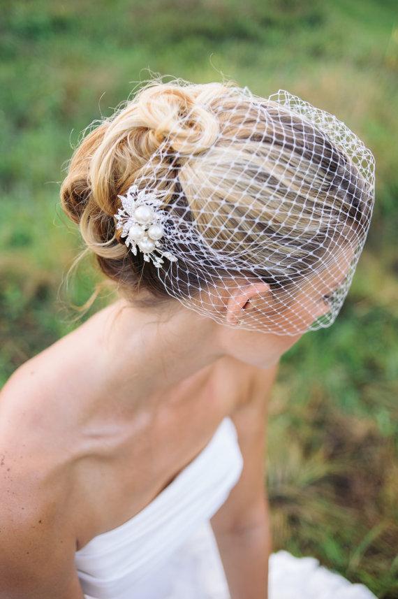 Hochzeit - Veils, bridal Birdcage veil with rhinestone comb- JOLEE