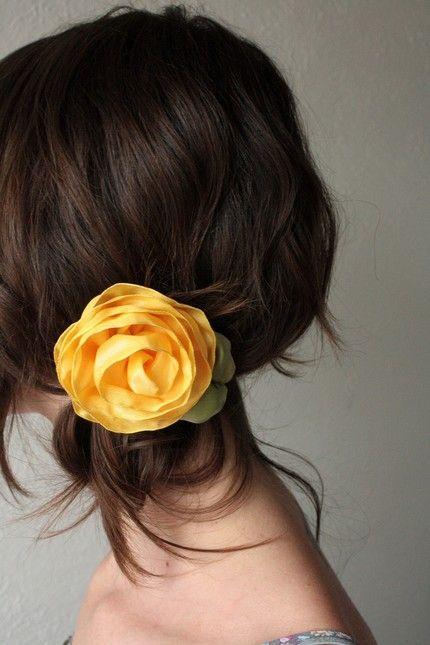 Mariage - CUSTOM ORDER For Marieke Smith - Yellow Rose Hair Comb