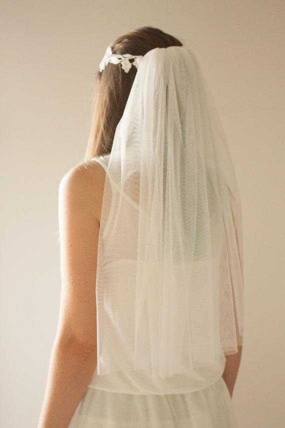 Mariage - Bachelorette Veil, Lace Headband, Bachelorette Tiara, Bride To Be Veil, Bride Gift, Bachelorette Party, Bridal Shower, Party Veil
