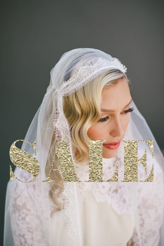 Mariage - Lace Juliet Cap Veil, Wedding Veil Eyelash Fringe Lace Veil, Single Layer Mantilla Veil, Fingertip Length, Cathedral Veil, Long Veil #1558
