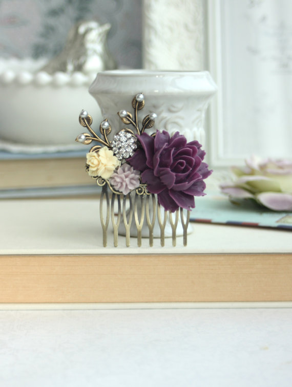 Mariage - Purple Rose, Amethyst Purple, Ivory, Lilac, Pearl, Brass Leaf Flower Hair Comb, Maid Of Honor, Bridesmaid Comb, Amethyst Purple Wedding.