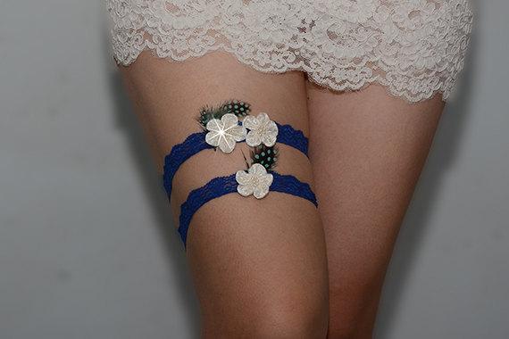 Hochzeit - blue feather bridal garter set, wedding garter, ivory bride garter set, chic plum blossom garter,  garter with pearls