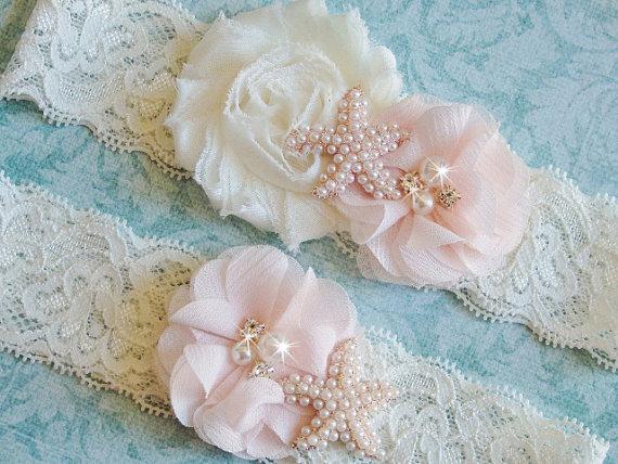 Свадьба - Garter, Ivory Lace Beach Wedding Garter, Blush Garter Set, Pearl Starfish Garter and Toss, Beach Garter, White Lace Garter, Pink Garter Set