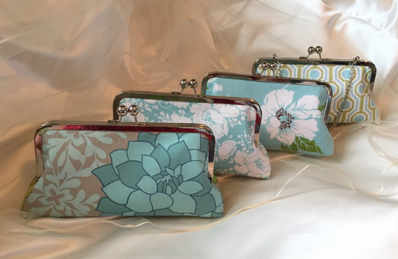 Mariage - SET of 4 Ready to ship bridesmaid clutches wedding gifts mother of the bride