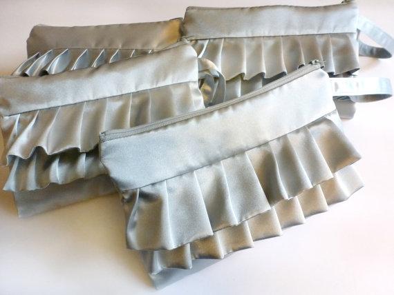 Mariage - Personalized Set of 4 Silver Horizontal Ruffled Bridesmaids Wristlets