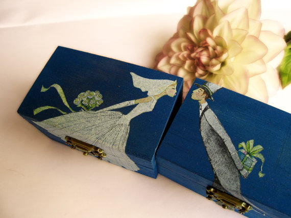 Royal blue gift boxes for wedding