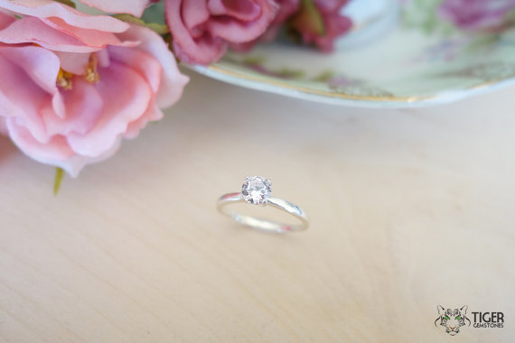 Mariage - 1/2 Carat Solitaire Engagement Ring, Round Man Made Diamond Simulant, Wedding Ring, Promise Ring, Bridal, Sterling Silver, 14k Gold Upgrade
