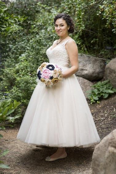 Свадьба - Peony brooch bouquet. navy, blush, champagne, gold and burlap heirloom rhinestone brooch wedding bouquet.