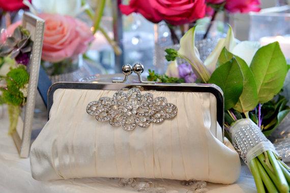 Свадьба - Ivory Bridal Clutch, Rhinestone Clutch, Crystal Brooch, White Wedding Purse, Silk Formal Bag {Gathered Kisslock w/ Brooch}