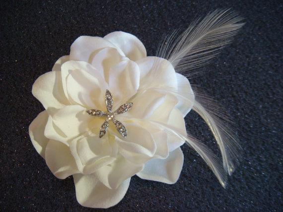 Nozze - Bridal Ivory hair flower hair clip with rhinestone STARFISH feathers / ELEGANCE / wedding flower headpiece fascinator