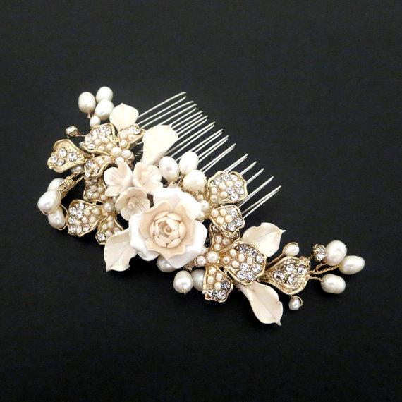 زفاف - Gold Wedding hair comb, Bridal hair comb, Wedding headpiece, Gold headpiece, Pearl and flower headpiece, Vintage style hair comb