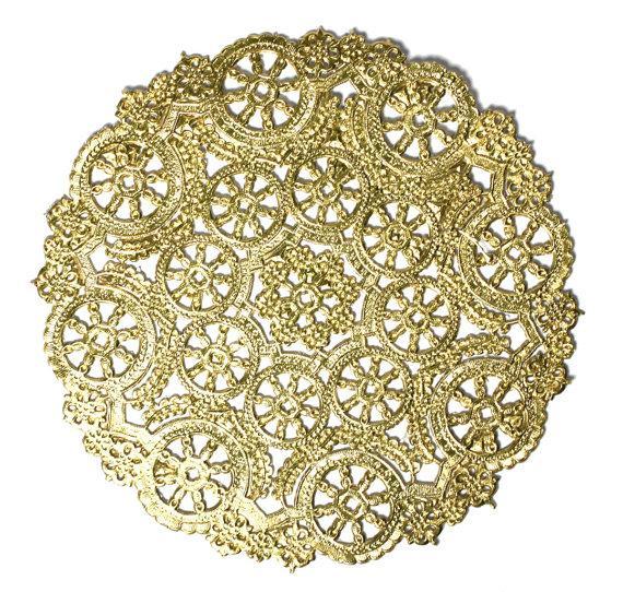 Свадьба - 50 gold 6 inch paper doilies, metallic doilies, invitation trim, wedding trim, part trim, paper craft trim