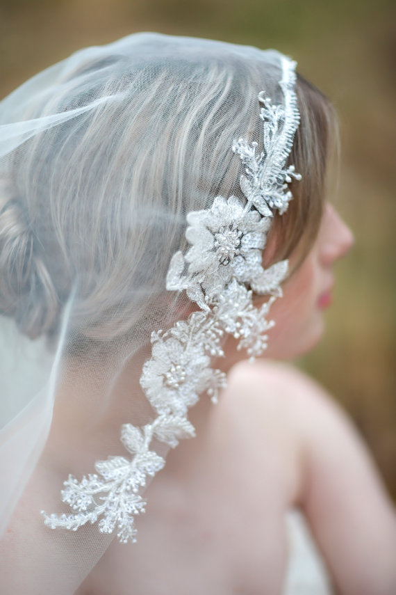 زفاف - Bridal Veil, Traditional Veil, Wedding Veil, Lace Edge Veil, Wedding Hair Accessory, Illusion Veil