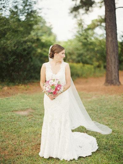 Hochzeit - Chapel length Wedding Bridal Veil 90 inches white, ivory, Wedding veil Long bridal Veil chapel length veil bridal veil cut edge veil