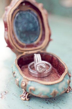 زفاف - Glam Antique Rings And Ring Boxes
