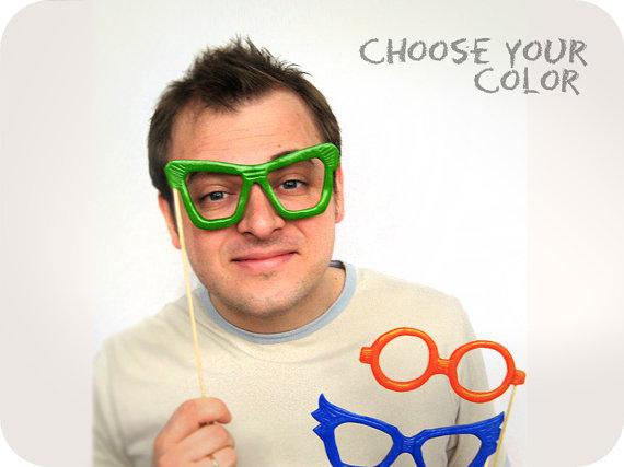 زفاف - One Color Plastic Glasses on a stick - Choose the style and color - Plastic Photobooth Props for Wedding Photo Booth