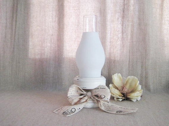 زفاف - Paris Chic Candle Holder in Heirloom White / Cottage Chic Candle Holder with Glass Shade