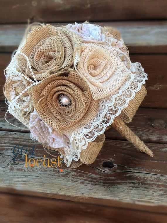 Mariage - Lace Wedding Bouquet, Burlap Bouquet, Wedding Burlap Bouquet Wrap, Rustic Burlap Bouquet, Burlap, Wedding, Bride, Groom, Favor, Bridesmaid