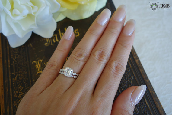 Sparkly 3 4 Carat Halo Wedding Set Vintage Bridal Rings Man Made Diamond Simulants Art Deco Engagement Ring Sterling Silver