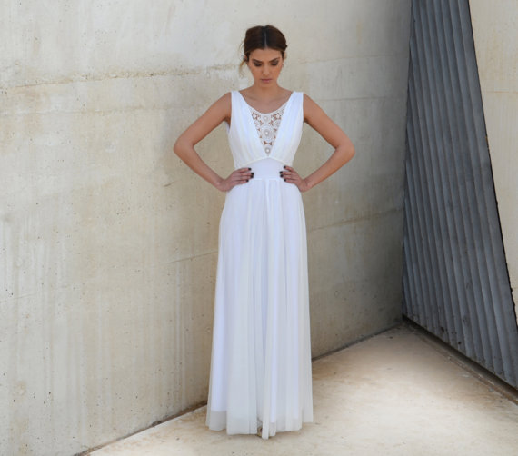 Hochzeit - Romantic wedding dress V neck with embroidery pattern