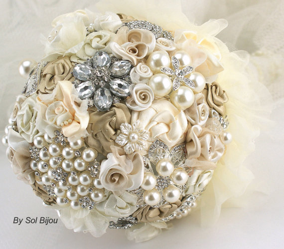 Mariage - Brooch Bouquet, Wedding, Bridal, Jeweled, Champagne, Tan, Beige, Ivory, Pearls, Crystals, Lace, Elegant, Vintage Style, Gatsby