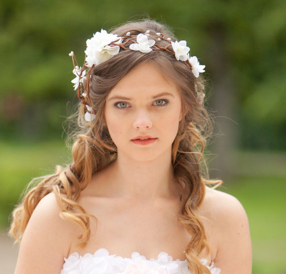 Hochzeit - Bridal hair accessories, wedding flower headpiece, white flower hair circlet , rustic wedding flower crown, hair wreath accessory