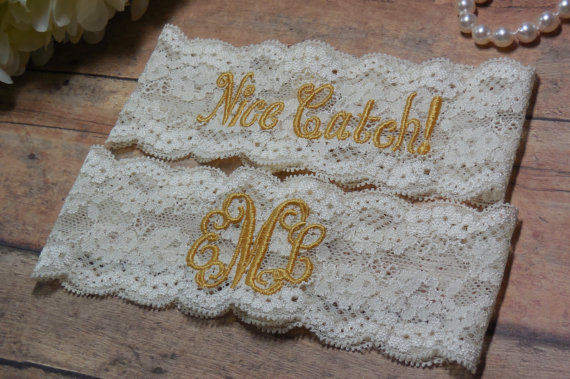Свадьба - Monogrammed Garter, Monogram, Gold Garter, Gold Wedding, Personalized Garter, Garter, Custom Garter, Wedding, Bridal, Bride, Custom Garter