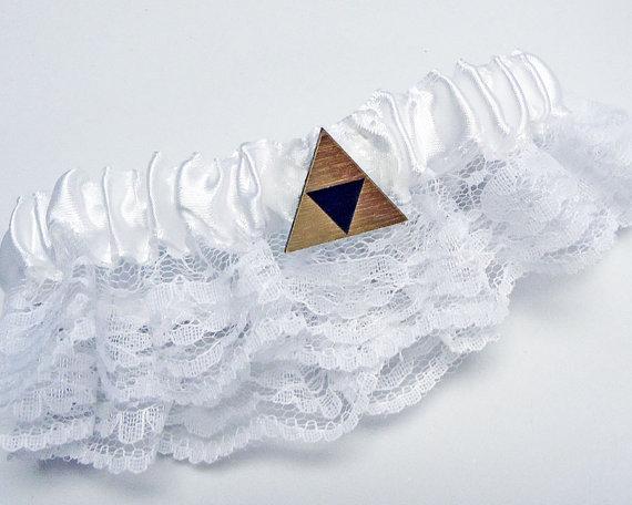 Свадьба - Wedding Garter Belt, Tri force Zelda gold or silver gift box