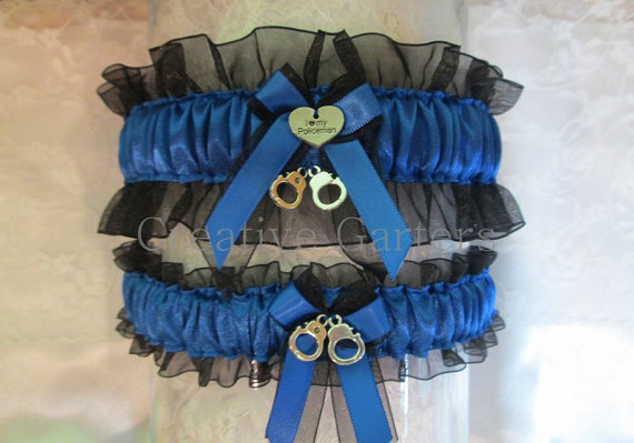 Свадьба - Handcrafted Police Garter set with a charm that says I love my policeman and cute little handcuffs on the toss garter