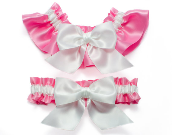 Свадьба - Garter set - garters in pink and white satin with white satin bows - Simply Satin Garters
