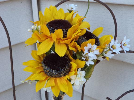 Свадьба - 8 pc Rustic Wedding / Country Wedding / Fall Wedding / Sunflower Set of 4 Clutch Silk Bridesmaid / 4 Groomsmen Bouts / Silk Wedding Flowers