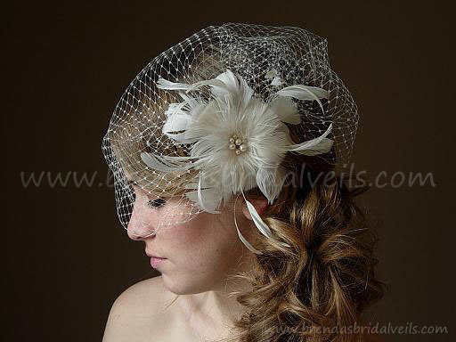 Mariage - Bridal Veil With Flower, Ivory Full Side Blusher Birdcage Veil, Detachable Ivory Feather Flower with Fresh Water Pearls Center Fascinator