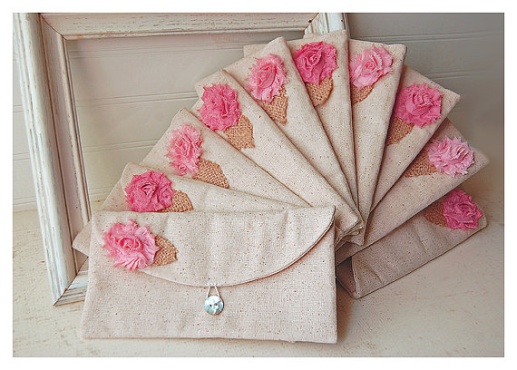 Mariage - Set of 10 -ONE BAG FREE- Bridesmaid Clutch Purse, burlap Raw shabby Linen, Bridesmaids Gift, Wedding purse clutch Personalize rose MakeUp