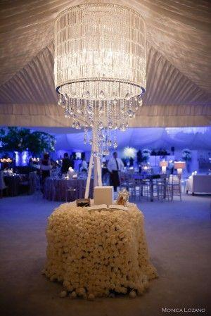 Hochzeit - Extravagant And Glamorous Wedding By Occasio Productions
