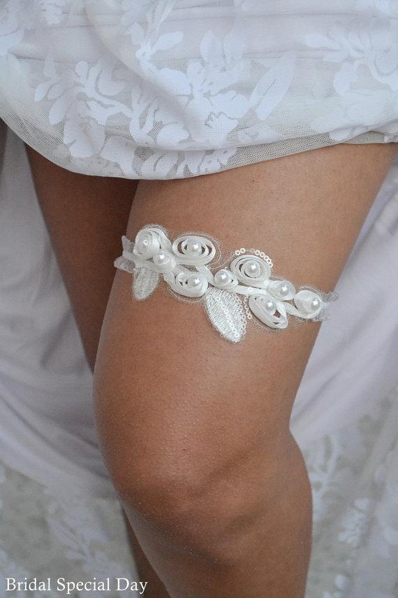 Свадьба - Wedding Garter White Bridal Garter With Flowers Pearls and Sequins Garter Set - Handmade