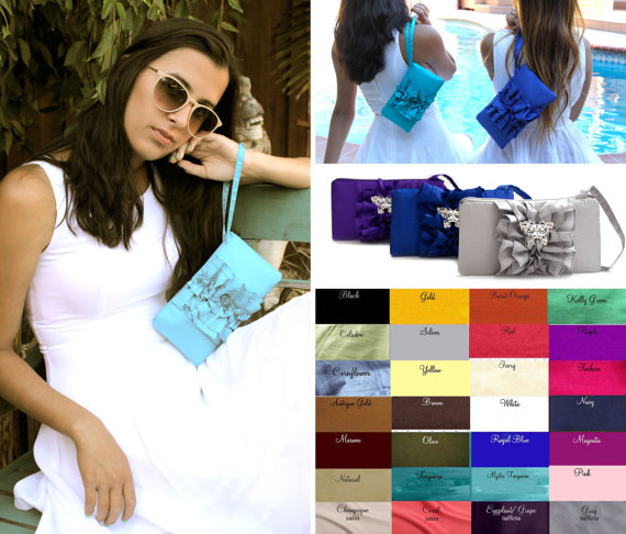 Mariage - Bridesmaids Clutches SET OF 5- Ruffle Wristlets Fairy Tale Wedding - Gray Silver Green Blue And More