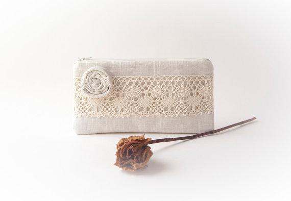 Mariage - Rustic Wedding Clutch Purse, Lace Wedding Bridal Clutch Pouch, Bridesmaid Gift Idea clutch, natural ivory cream Romantic Rosette